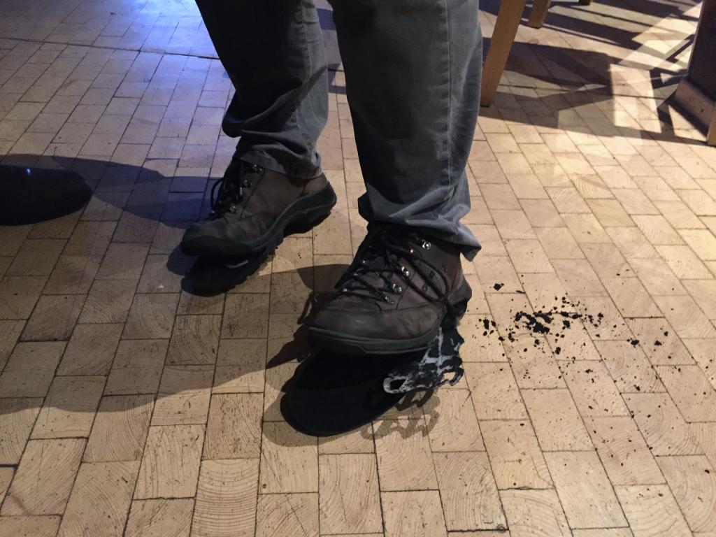 Es litt nicht nur die Stellung, auch das Schuhwerk von Kai konnte dem Springereinschlag nicht trotzen.