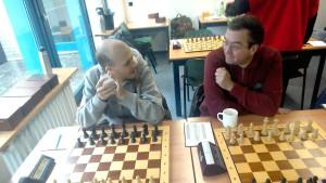 Endlich wach.  Felix und Carsten geht es nach ihrem ersten Kaffee schon besser.